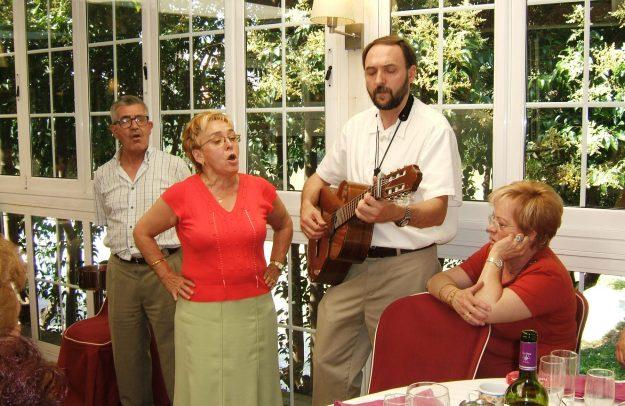 DSCF3700 Cantando jotas